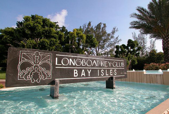 Entrance to Bay Isles