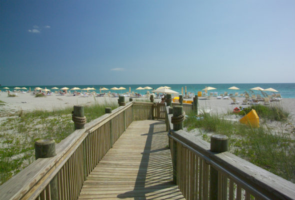 walkway to Lido Key Beach