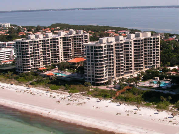 Beach View of water Club condos